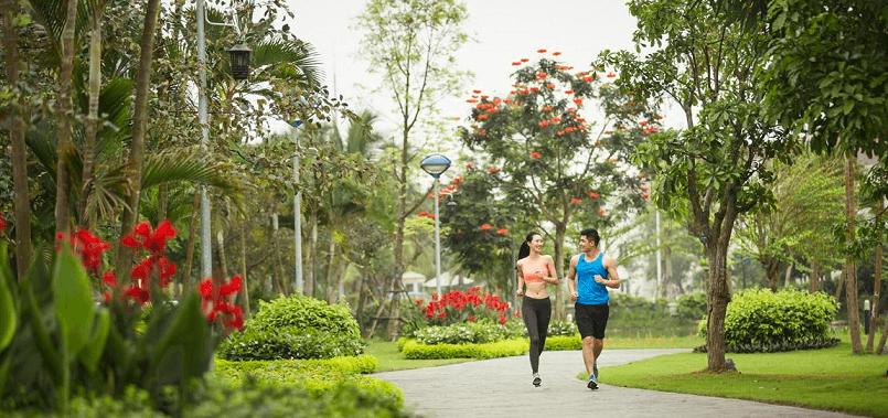 Chạy bộ tại công viên